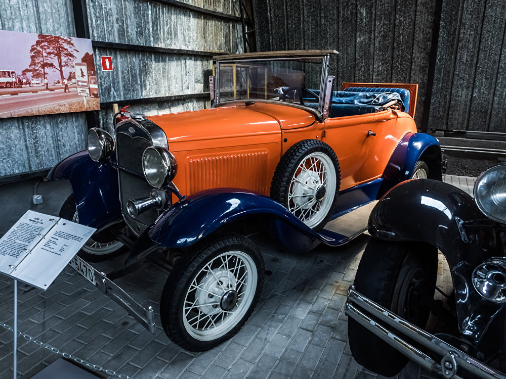 Ford A Roadster De Luxe 1930 года